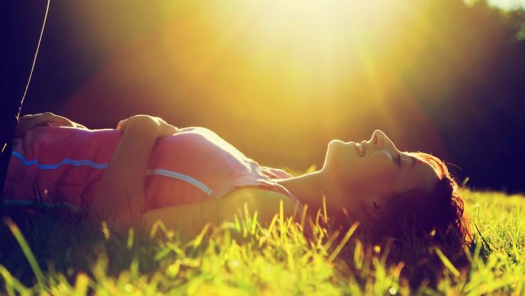 Sonce je dejansko najboljši vir vitamina D. (foto: Shutterstock.com)