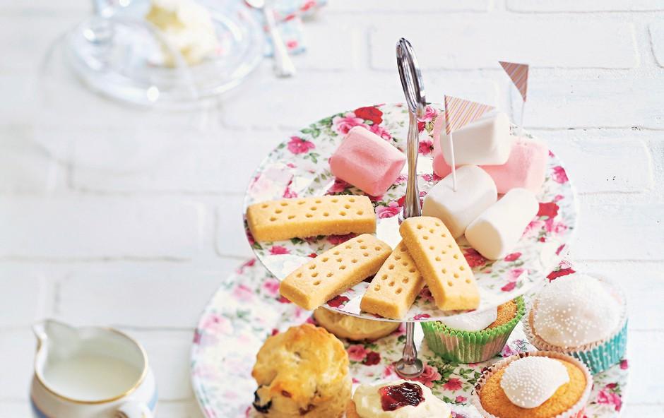 Ob petih si privoščite pravo angleško čajanko (foto: revija Lisa)