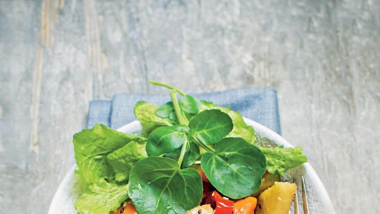 Solata z mešano zelenjavo (foto: stockfood photo)