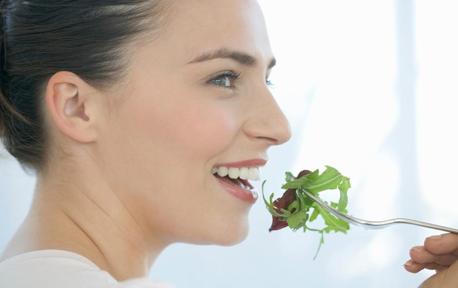 Dobro prežvečeno, na pol prebavljeno: zakaj je temeljito žvečenje zdravo (foto: profimedia)