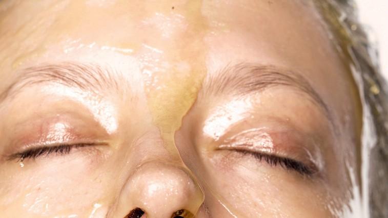 Doma pripravljene maske za obraz iz domačega meda (foto: profimedia)