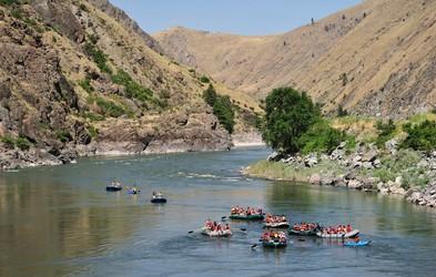Aktivnosti na mirnih in divjih vodah
