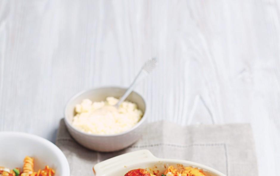 Barvit narastek s testeninami (foto: stockfood photo)