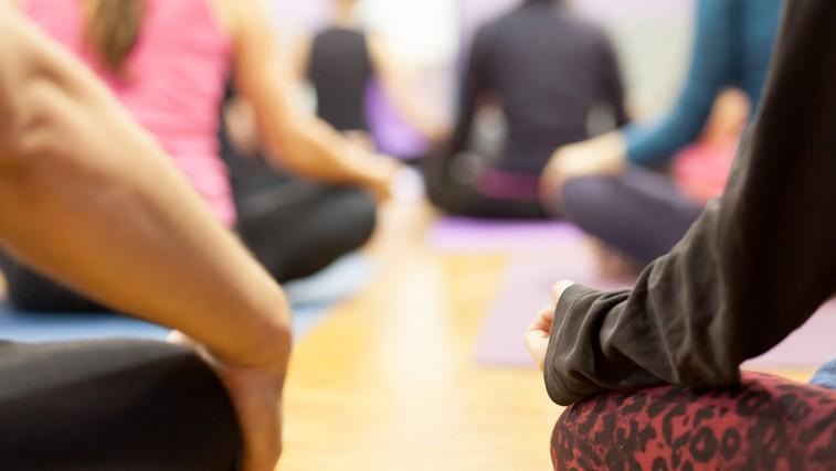 Sprostitvene tehnike, ki nam pomagajo ustaviti emocionalno hranjenje (foto: Shutterstock.com)