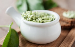 5 receptov, s katerimi izboljšate okus masla
