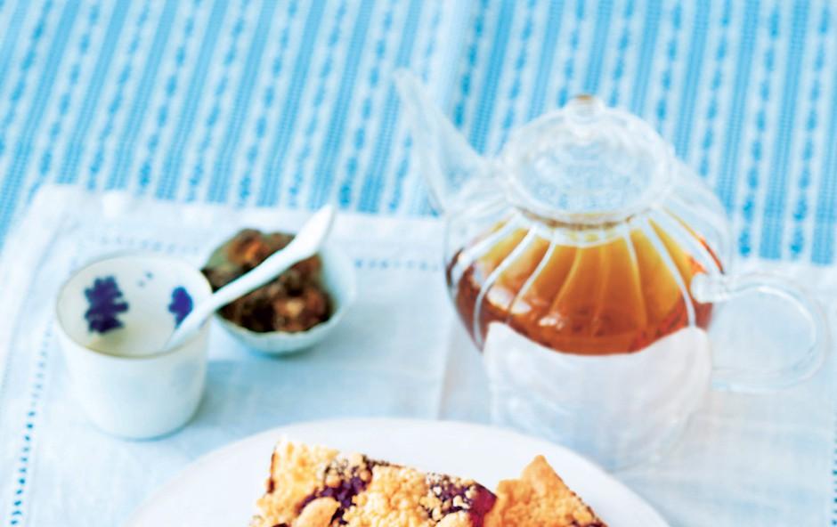 Slivov kolač z mrvicami (foto: jalag)