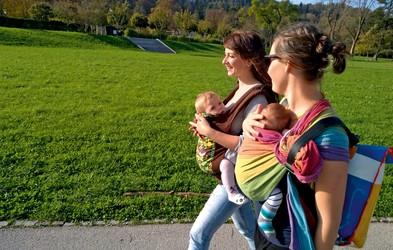 Nosilke za dojenčke - zakaj so tako koristne za otrokov telesni in čustveni razvoj