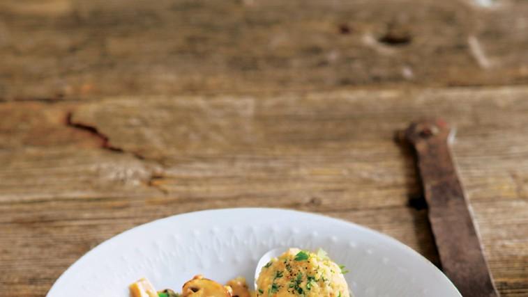 Mešane gobe v smetanovi omaki (foto: revija Lisa)