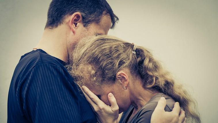 Ali obstaja razlika med 'odpustiti' in 'oprostiti'? (foto: Shutterstock.com)