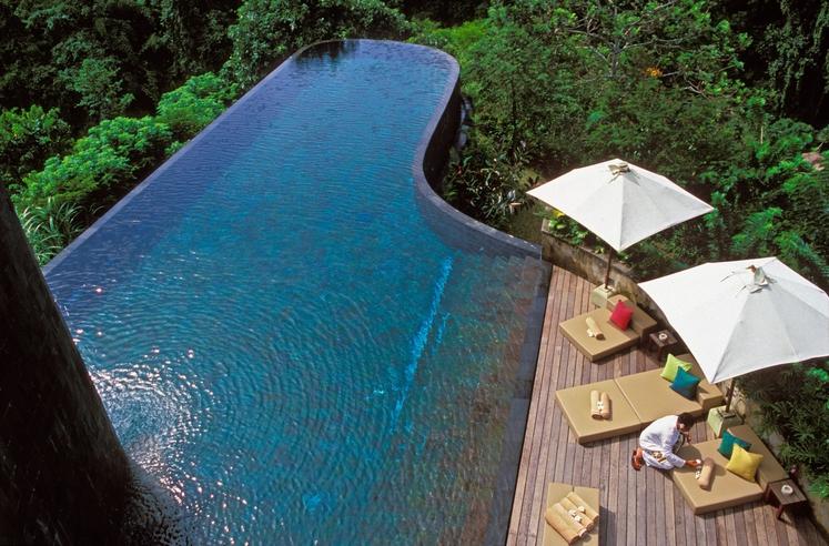 Viseči vrtovi Ubud, Bali, Indonezija Hanging Gardens Ubud Hotel & Resort je zatočišče za vse, ki iščejo mir in spokojnost. …