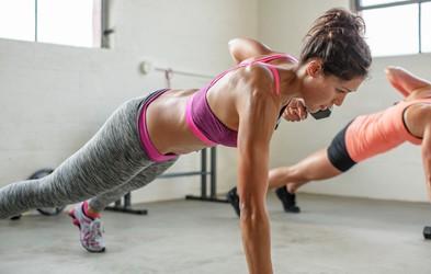 1 vaja, 8 načinov izvajanja - top vadba za čvrst trebušček in zadnjico (video)