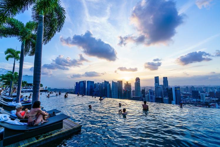 Kliknite naprej in preverite 9 najimpresivnejših bazenov na svetu. V katerega bi skočili najprej?