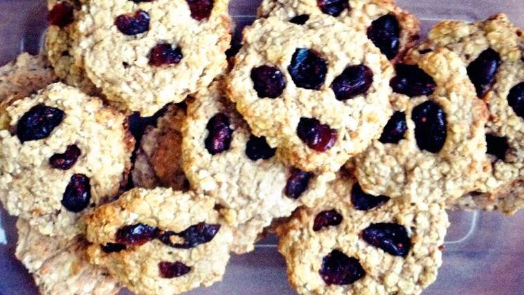 Zdrave sladice z brusnicami (foto: Osebni arhiv)