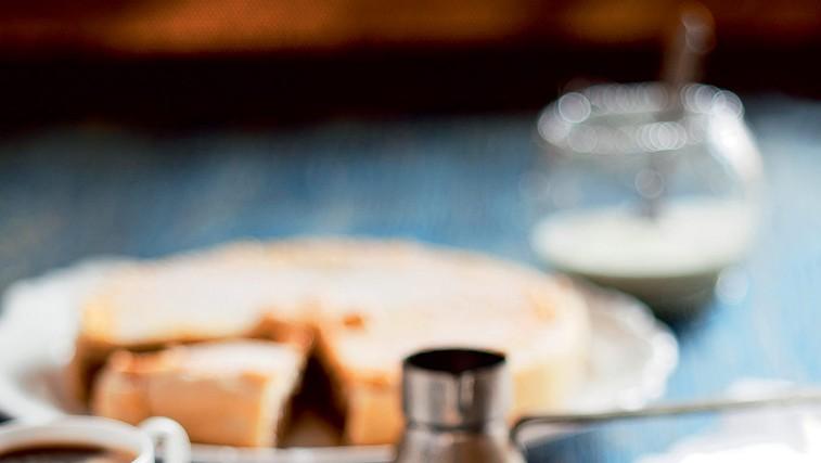 Orehov kolač (foto: revija Čarovnija Okusa)