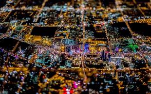 Spektakel luči, ko se noč spusti nad Las Vegas