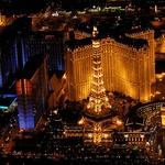 Spektakel luči, ko se noč spusti nad Las Vegas (foto: profimedia)