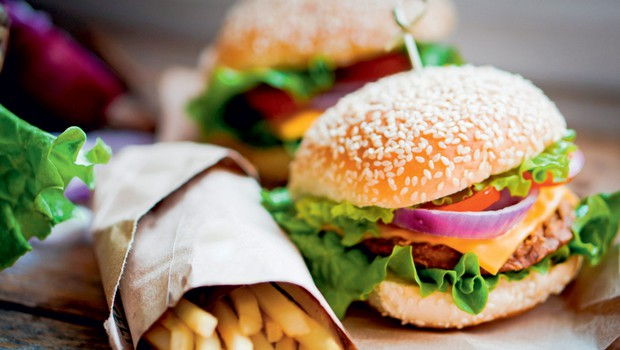 9 razlogov, da hitra hrana ne redi (foto: shutterstock)