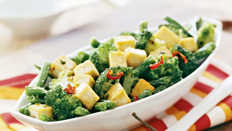Brokoli s tofujem na sezamovem olju (foto: profimedia)