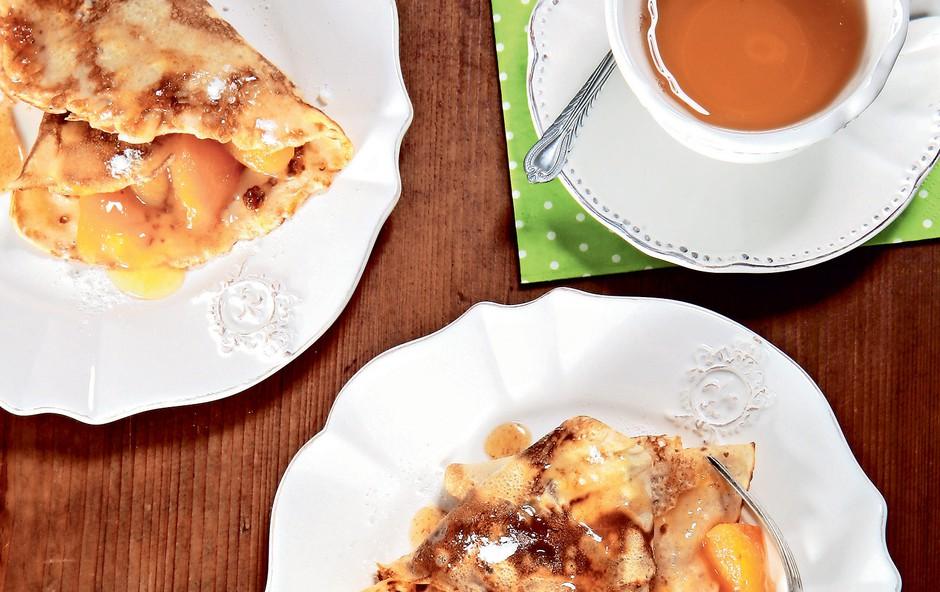 Pirine palačinke s sadjem (foto: revija Čarovnija Okusa)