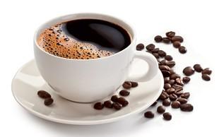 Z rednim pitjem kave do čistejših arterij