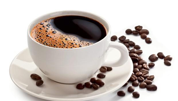 Z rednim pitjem kave do čistejših arterij (foto: shutterstock)