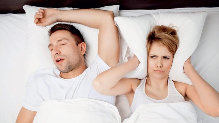Smrčanje: Zdravniški nasveti, ki vam bodo pomagali k mirnejšemu spancu (foto: shutterstock)