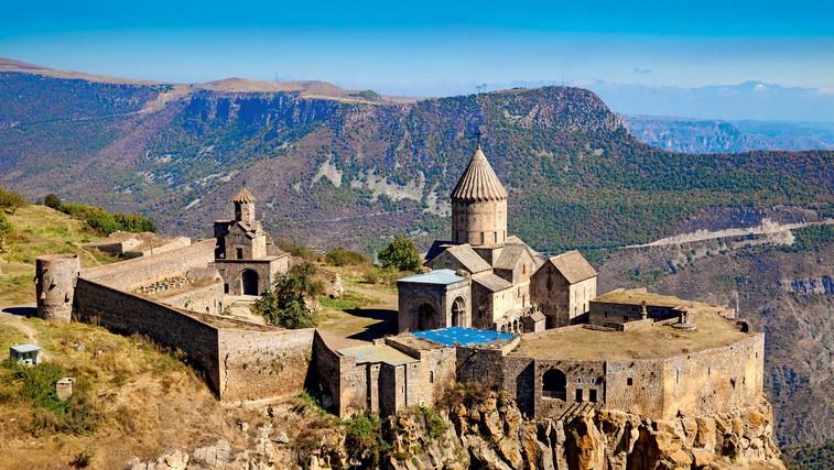 Samostan Tatev s cerkvijo Petra in Pavla (foto: profimedia)