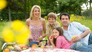 5 slastnih in super zdravih živil, ki jih prinese pomlad