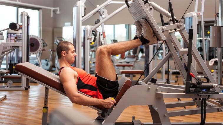 Precenjena ali učinkovita vaja: Potisk z nogami na trenažerju (foto: Shutterstock.com)