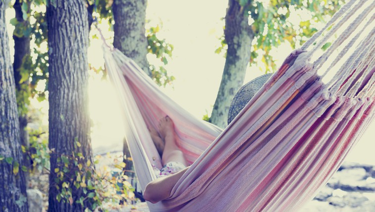 Zakaj je tako nezdravo vedno nekaj početi (foto: Shutterstock.com)