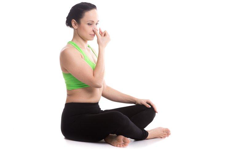 Dihalna vaja: izmenično dihanje shodhana pranayama