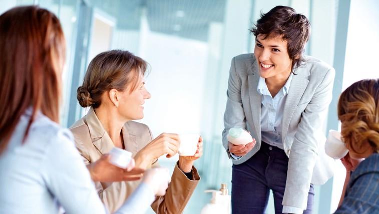 Kramljanje ima v družbi pomembno vlogo (foto: Shutterstock)
