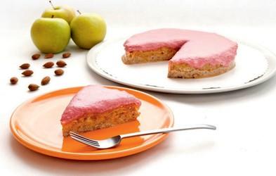 Presna jabolčna torta z brusnicami