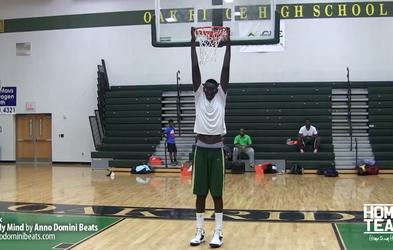 Naj vas navduši 229 cm visoki mladenič, ki si ga želi NBA, on pa ima drugačne načrte