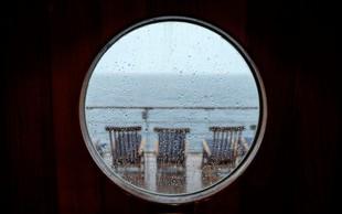 Pokukajte v notranjost čezocenske križarke Queen Mary 2