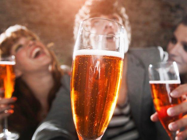 Imata alkoholizem in barva oči res kaj skupnega? - Foto: Profimedia