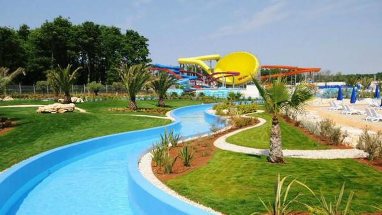 Vodni zabaviščni parki v bližini Slovenije, kjer vas čaka nepozabna zabava