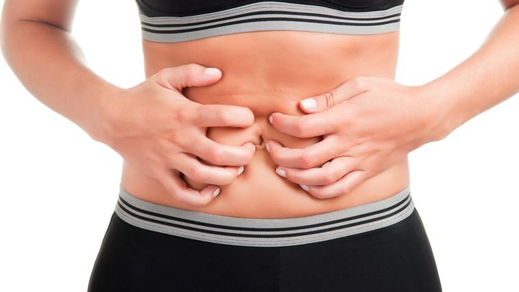 4 nasveti, kako preprečiti napihnjenost (foto: Shutterstock.com)
