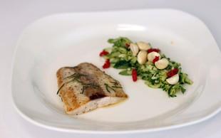 Video: Super ideja za kosilo ali večerjo - lososov file in bučkina solata z meto