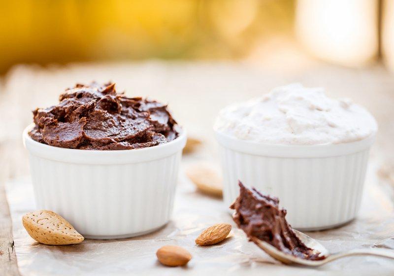 Domač kakavov in kokosov sladoled