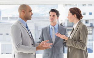 Kregajte se konstruktivno in dopustite, da ima sogovornik drugačno mnenje