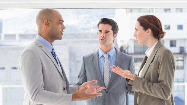 Kregajte se konstruktivno in dopustite, da ima sogovornik drugačno mnenje (foto: profimedia)