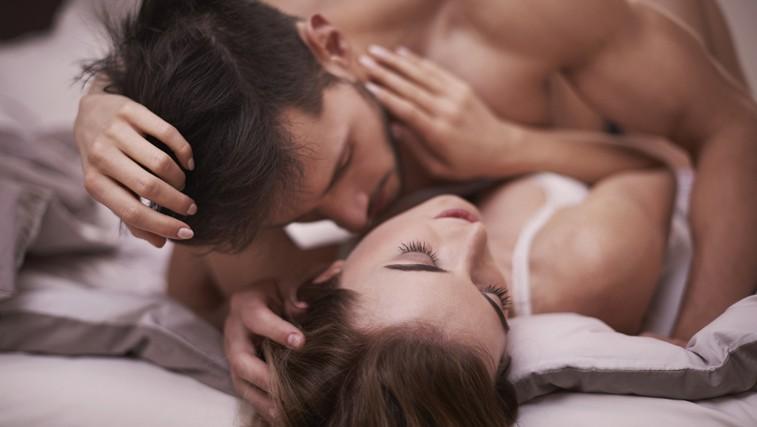 5 misli, ki moškega prešinejo, medtem ko nudi oralni seks (foto: Shutterstock.com)