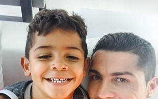 Fotografije, s katerimi je Christiano Ronaldo obnorel splet