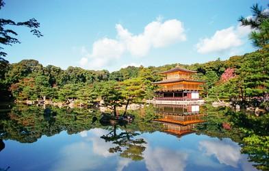 Kinkaku (Zlati pavilijon) - najspokojnejši in najintimnejši kraj Japonske