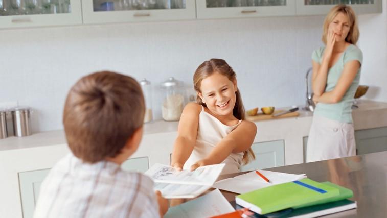 Ste tudi vi naveličani neprestanega pregovarjanja z otroki? Niste edini! (foto: profimedia)