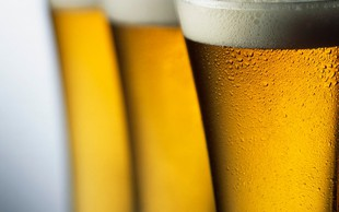 Znanost ima 10 dokazov, da je zmerno pitje piva lahko zdravilno
