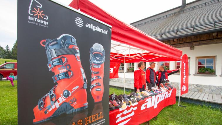 Predstavitev najnovejše kolekcije športne obutve Alpina.  Nov smučarski čevelj  Elite z integriranim gretjem, pri čemer je Alpina na svetovnem nivoju prvi proizvajalec smučarskih čevljev s tovrstno inovacijo.    (foto: Alpina Žiri)