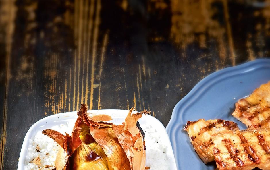 Čebula pečena v soli (foto: revija Čarovnija okusa)