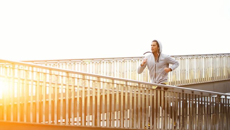 Zakaj je priporočljivo, da tekač trenira tudi za moč (foto: Shutterstock.com)